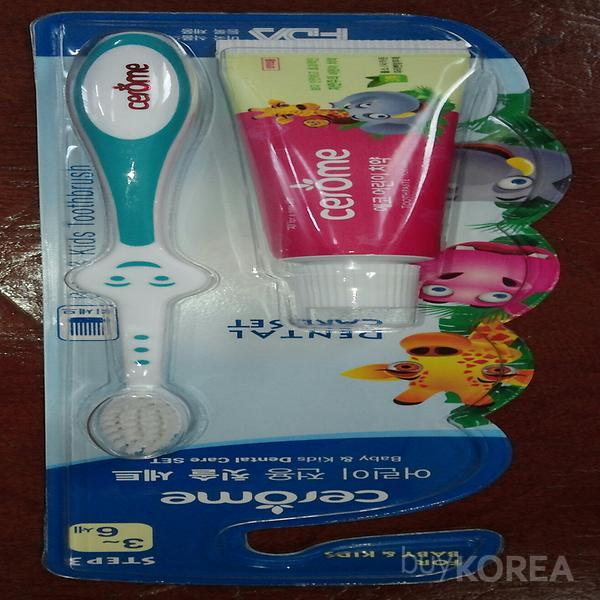 3.Kids toothbrush set