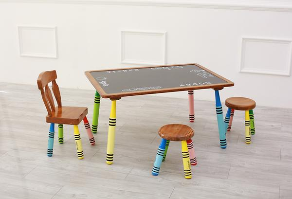 wooden crayon table