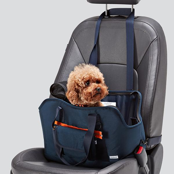 andblank dog carrier
